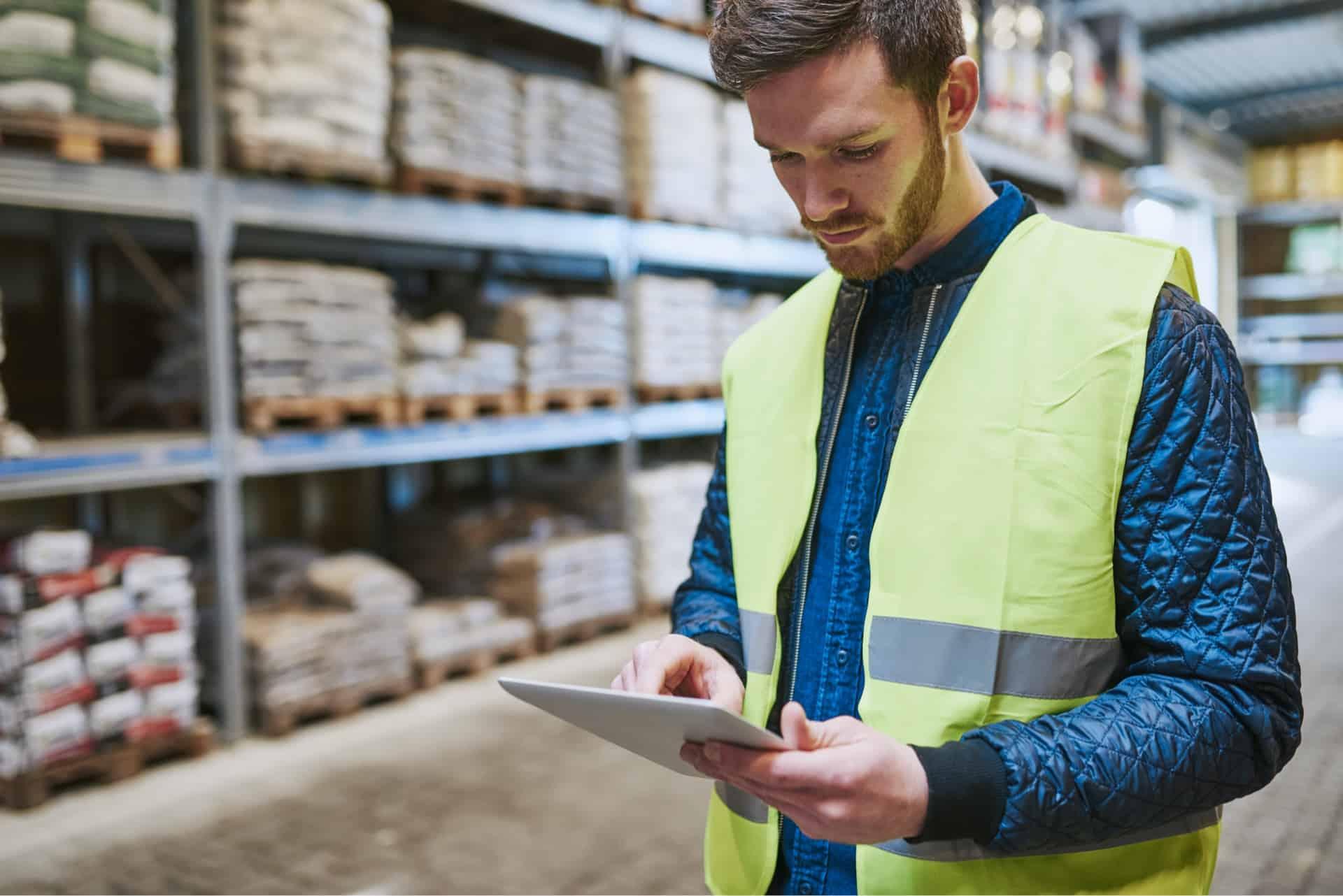 Neben dem exzellenten Beratungsservice, Material- und Verarbeitungsempfehlungen rund ums Bauen, halten wir die benötigten Baustoffe in Ihrer Nähe direkt vor.